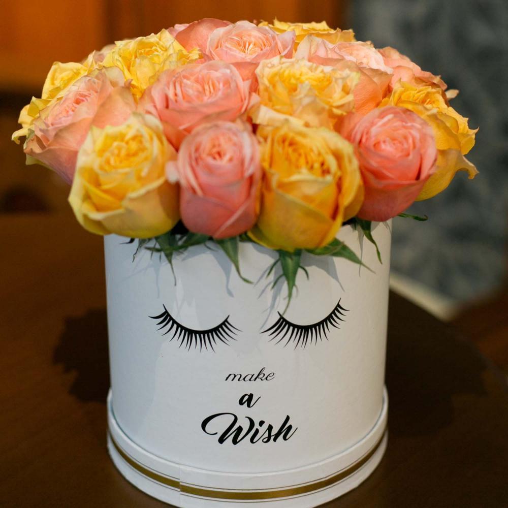 15 роз Микс в  шляпной коробке
