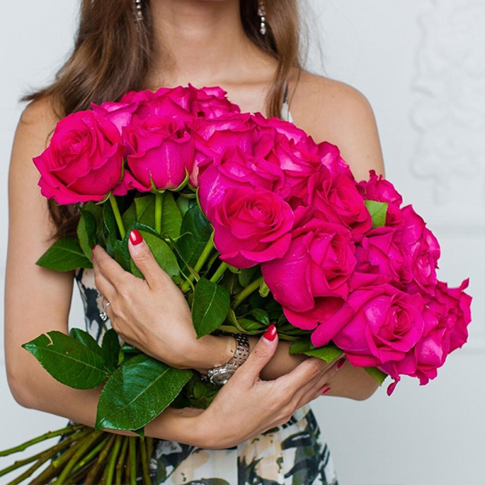 дорогой букет цветов в руках фото гамова российская волейболистка